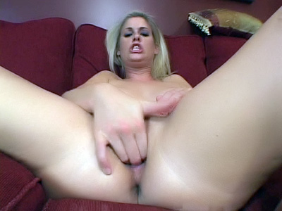 Sexy blonde Fayth Deluca exposes her hot ass and stuffing her pleasure hole with a dildo